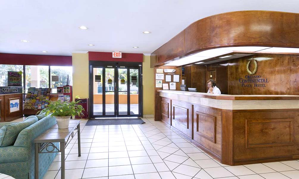 Continental_Plaza_lobby