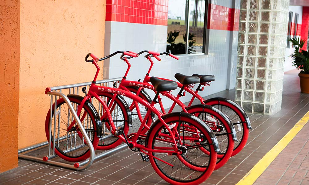 Red Lion Hotel Orlando KissimmeeMaingate Bicycles 01