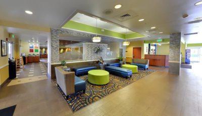 Comfort-inn-suites-universal-cc-lobby-03