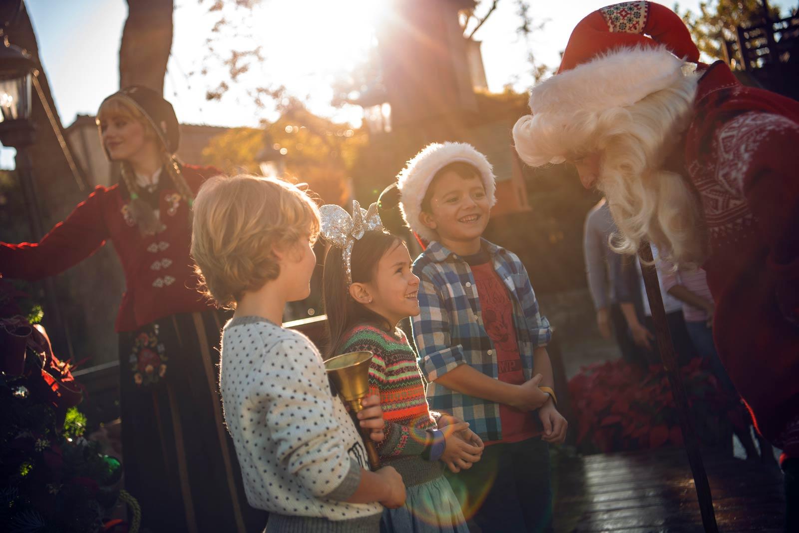 Disney_Epcot_Christmas_1600px