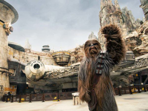 Star-Wars-Galaxys-Edge-Chewbacca-1700px