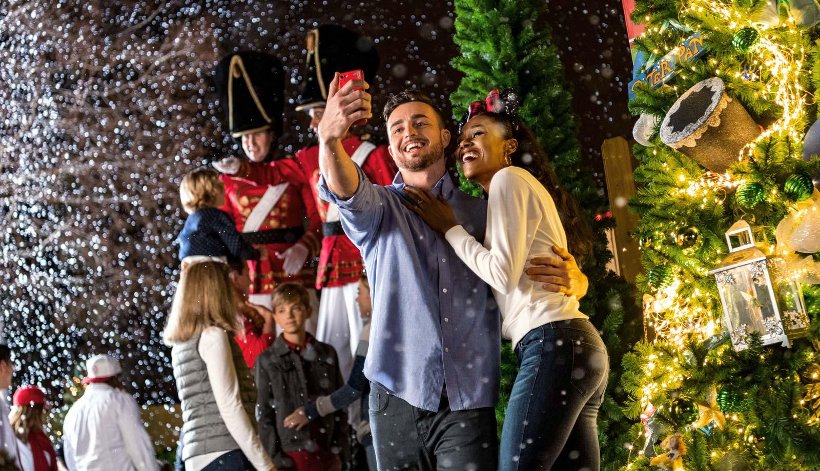 Disney-Christmas-Couple