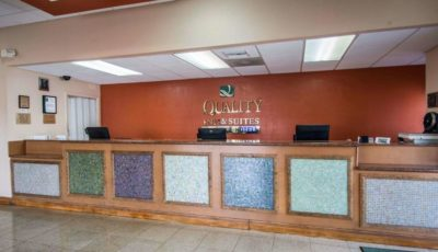Quality_Inn_Suites_Eastgate_02